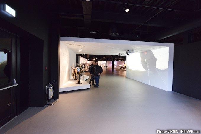トライアンフの世界観を体験できる英国本社のビジターセンターツアーの画像