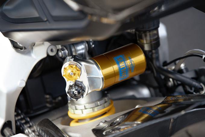 ファンお待ちかねの新型「DAYTONA(デイトナ) Moto2 765リミテッドエディション」発表の画像