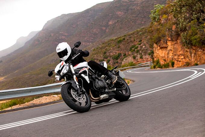 660ccのトリプルエンジンを搭載した新型Srteet Triple S(ストリートトリプルS)を発表の画像