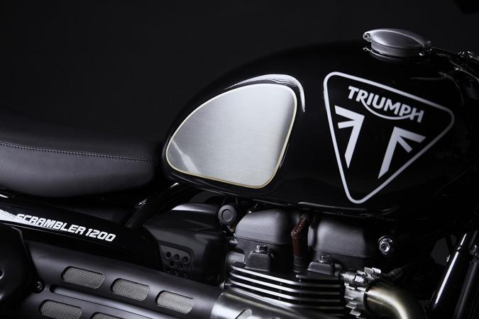007のジェームス・ボンドモデル「TRIUMPH SCRAMBLER 1200 BOND EDITION」を発表 02画像