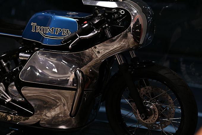 ト「ON THE ROAD'20~THE HIDE MOTORCYCLE Supported by NEUTRAL & RUDE GALLERY~」トライアンフのボンネビルボバーを宝石のようなカフェレーサーにカスタムの06画像