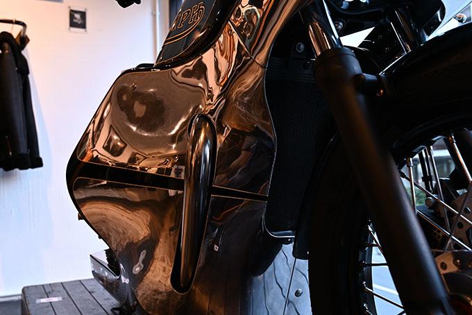 ト「ON THE ROAD'20~THE HIDE MOTORCYCLE Supported by NEUTRAL & RUDE GALLERY~」トライアンフのボンネビルボバーを宝石のようなカフェレーサーにカスタムの08画像