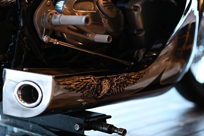 ト「ON THE ROAD'20~THE HIDE MOTORCYCLE Supported by NEUTRAL & RUDE GALLERY~」トライアンフのボンネビルボバーを宝石のようなカフェレーサーにカスタムの09画像