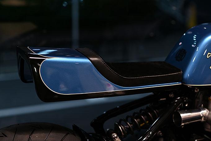 ト「ON THE ROAD'20~THE HIDE MOTORCYCLE Supported by NEUTRAL & RUDE GALLERY~」トライアンフのボンネビルボバーを宝石のようなカフェレーサーにカスタムの13画像