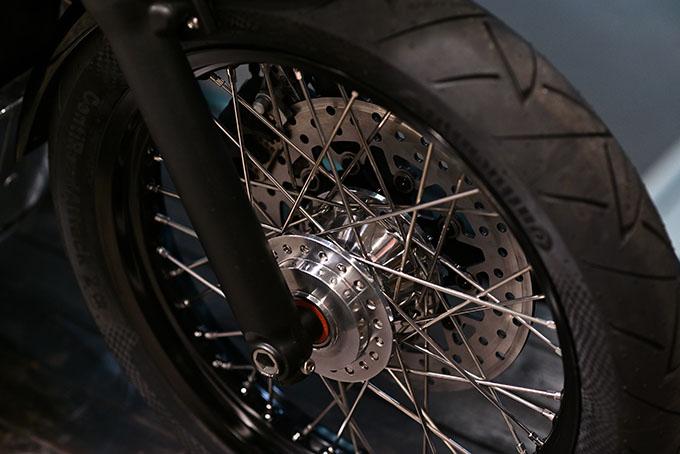 ト「ON THE ROAD'20~THE HIDE MOTORCYCLE Supported by NEUTRAL & RUDE GALLERY~」トライアンフのボンネビルボバーを宝石のようなカフェレーサーにカスタムの14画像