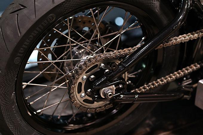 ト「ON THE ROAD'20~THE HIDE MOTORCYCLE Supported by NEUTRAL & RUDE GALLERY~」トライアンフのボンネビルボバーを宝石のようなカフェレーサーにカスタムの15画像