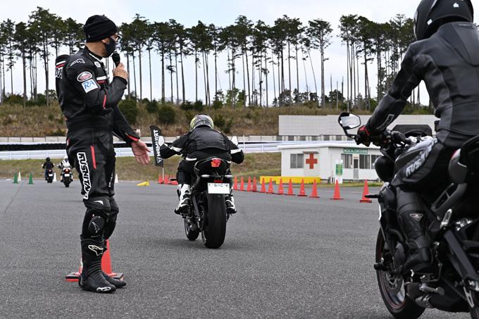 安全にスポーツライディングを楽しむためのサーキット講習会!「第4回 トライアンフ・ライディング・アカデミー(TRA)」 レポートの14画像