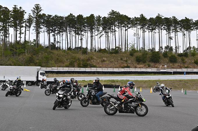 安全にスポーツライディングを楽しむためのサーキット講習会!「第4回 トライアンフ・ライディング・アカデミー(TRA)」 レポートの15画像