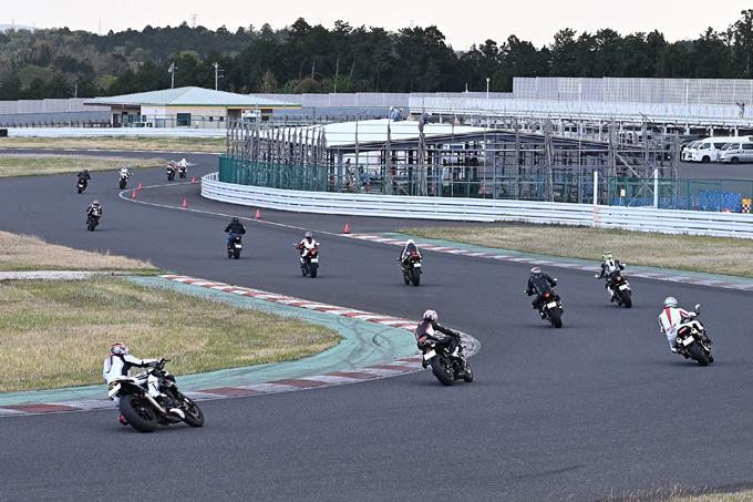 安全にスポーツライディングを楽しむためのサーキット講習会!「第4回 トライアンフ・ライディング・アカデミー(TRA)」 レポートの33画像