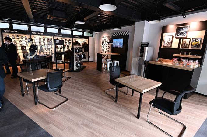 埼玉県唯一のトライアンフ正規販売店「トライアンフ埼玉南」が8/19にグランドオープン!の11画像
