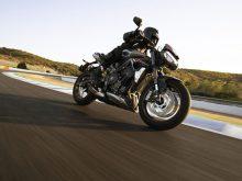 Moto2エンジン開発チームが改良を加えた765ccのトリプルエンジンを搭載した新型「STREET TRIPLE RS(ストリートトリプルRS)」発表の画像